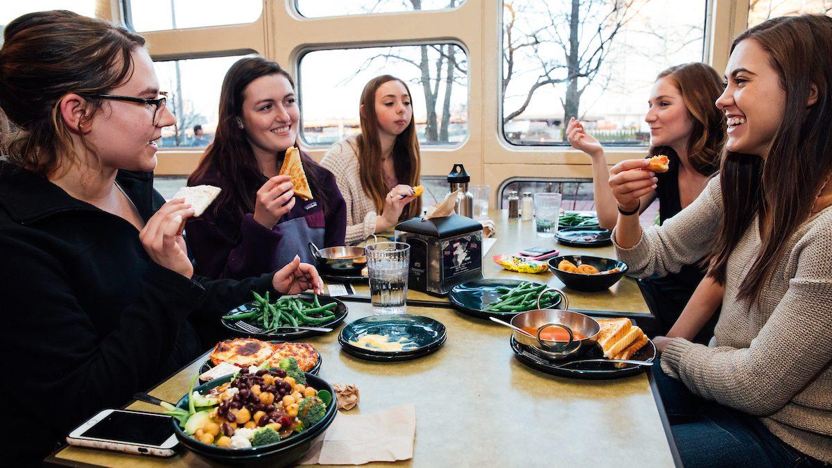 Làm thế nào để giảm cân khi học đại học (9)
