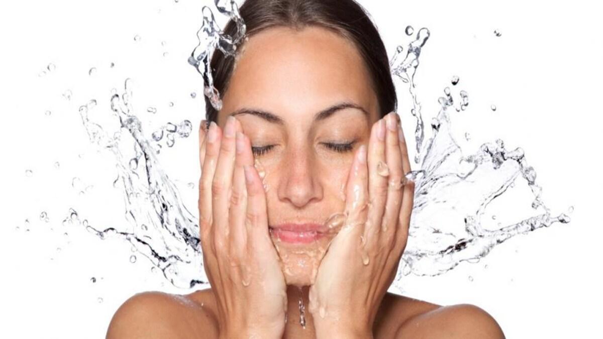 Mẹo làm sạch đối với làn da dễ bị mụn (8)