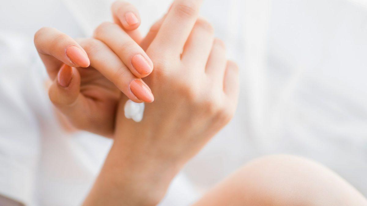Thành phần dưỡng ẩm tốt cho bàn tay khô và nứt nẻ (7)